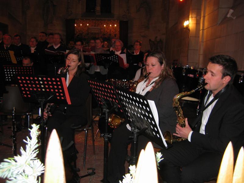 Musiciens pendant le concert de l'Harmonie Chorale de Brinon Noel 2009